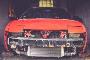 Mennyit fizet a biztosító totálkár esetén? A károsultak szerint soha nem annyit, amennyiből pótolni tudnák a totálkárosra törött autójukat. (Foto: pixabay.com)
