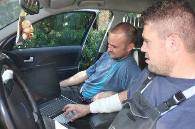 Használt autó külföldről – börtön a kilométeróra visszatekerésért?
