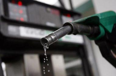 Heti üzemanyagárak: a pénteki után újabb csökkentés jöhet, de csak a benzinnél