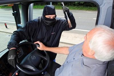 Kamion rablások külföldön és idehaza – A megoldás: BÜSZI?
