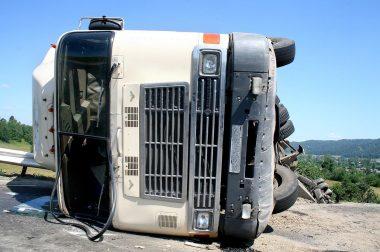 Hogyan csökkentsük egy baleset következményeit?
