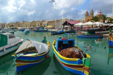 Baleset, betegség külföldi utazás során – mi a teendő?