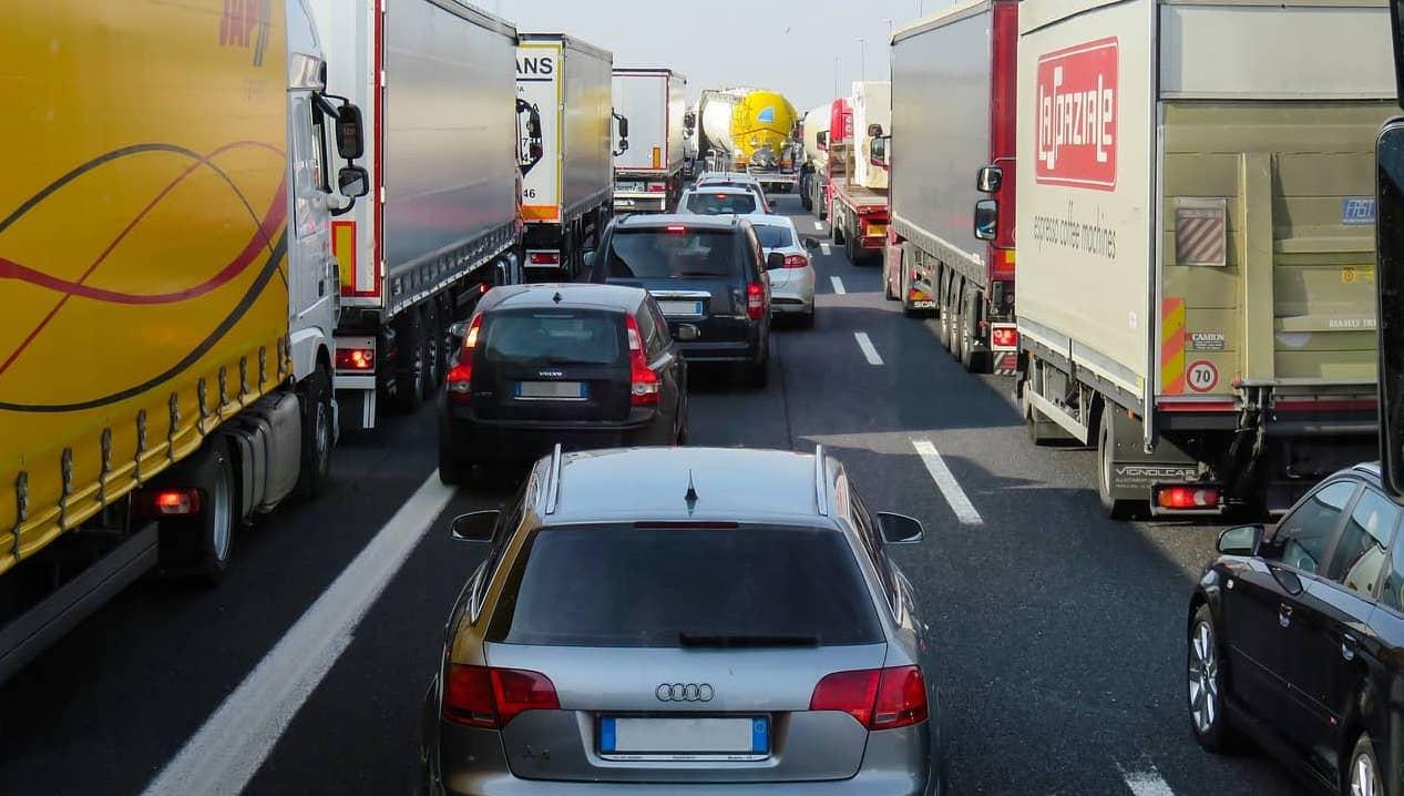 Autóbaleset során a kgfb biztosító fizeti a kártérítést.